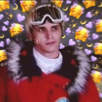 Mikey way with hearts